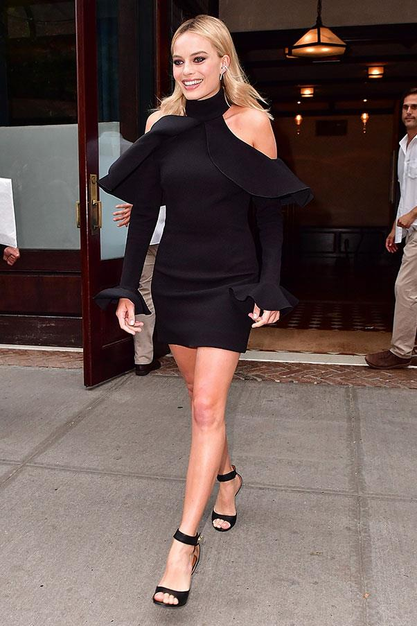 <strong>July 29th, 2016</strong><br><br> Margot swapped into Elie Saab for a night time press commitment.
