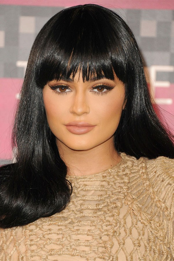 Bettie Page bangs at the 2015 MTV Video Music Awards on August 30, 2015.