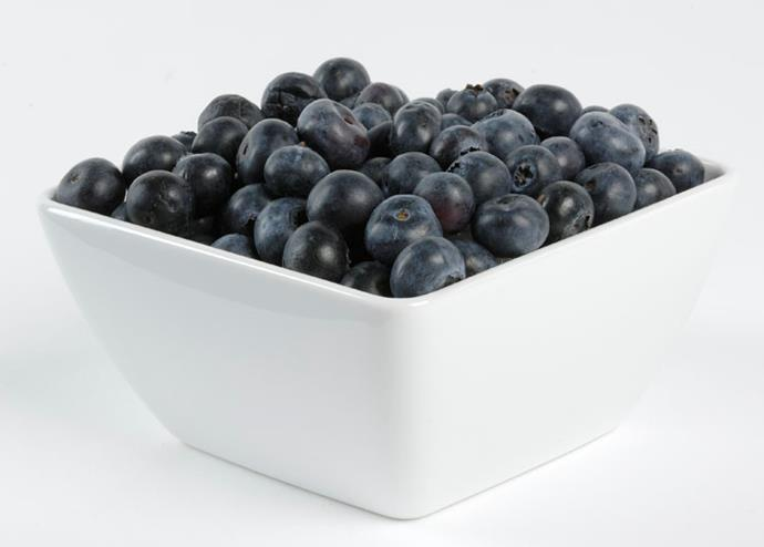 <strong>Blueberries</strong> <br><br> While a great source of nutrients are thought to protect the heart, blueberries struggle to make their way into the blood system.