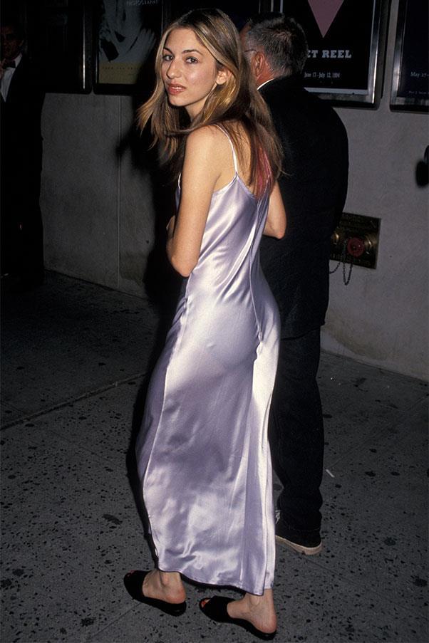 <strong>Slip dress + slides</strong><br><br> Sofia Coppola, 1994