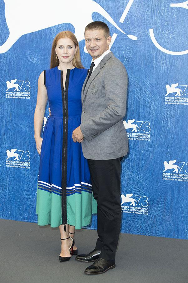 Amy Adams and Jeremy Renner at a photo call for <em>Arrival</em>