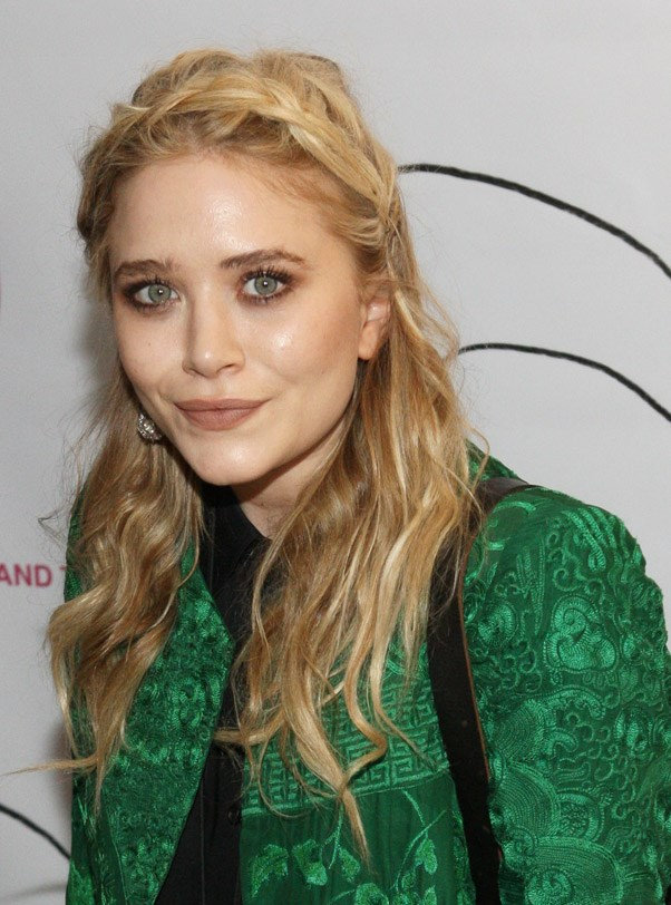 "<strong>Mary-Kate Olsen</strong> <br><br> <strong>Hobby:</strong> Show Jumping <br><br> Olsen is quite the equestrian, having competed in the annual Bridgehampton New York competition <a href=""http://www.justjared.com/2016/09/03/mary-kate-olsen-shows-her-skills-at-the-hampton-classic-horse-show/"">since 2013</a>."