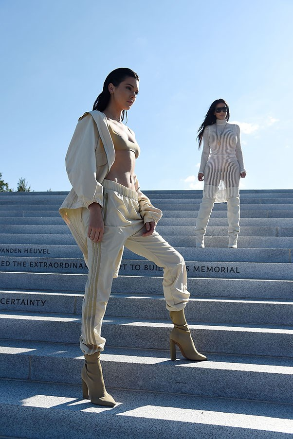 <strong>Day 1</strong> <br><br> Kendall head-to-toe in Yeezy gear at the Yeezy Season 4 Show.