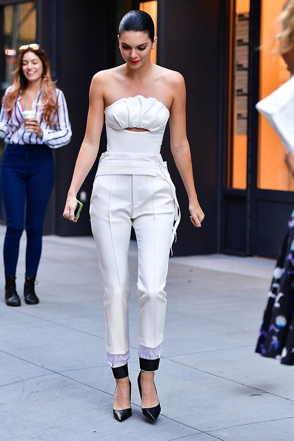 <strong>Day 5:</strong> <br><br> The eternal ying to Gigi's yang - Kendall goes for an all-white look while off-duty in NYC.