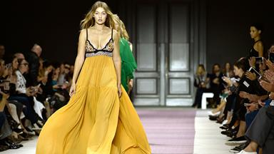 An Analysis Of The Most Iconic Supermodel Runway Walks