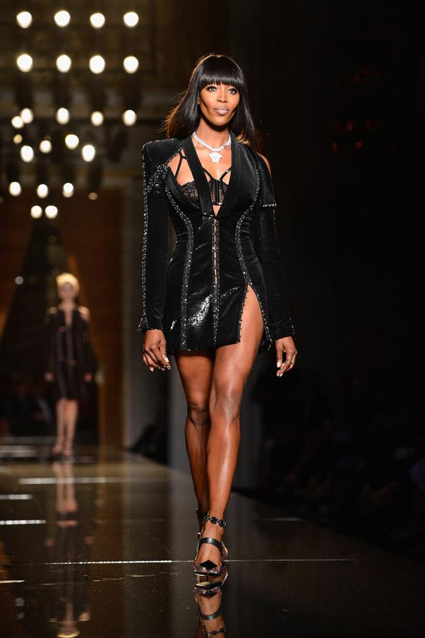 <strong>3. Naomi Campbell: The Strut</strong> <br><br> Remember Beyoncés attitude-filled walk in her music video 'Crazy in Love'? Well, it was reportedly inspired by Naomi's famous strut, which mixes the perfect level of sophistication and laissez-faire air. <br><br> <em>Versace Haute Couture Autumn/Winter 2013/2014 </em>