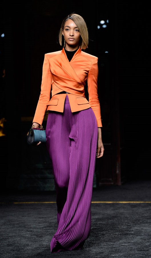 <strong>9. Jourdan Dunn: The Structured</strong> <br><br> Unlike her contemporaries, Jourdan doesn't rely on her hips and legs to emphasise her walk. She keeps her legs tightly tucked together with minimal waist movement that's far more subtle than Karlie and Naomi's struts. <br><br> <em>Balmain Autumn/Winter 2015/2016</em>