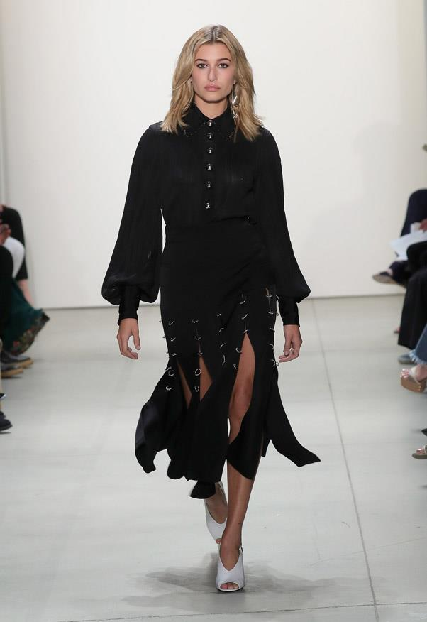 <strong11. Hailey Baldwin: The Speedster</strong> <br><br> A frequent sight on Tommy Hilfiger's catwalk, Hailey is known for taking large,  fast-paced, tomboy-esque strides down the catwalk that are slightly more considered than Gigi's. <br><br> <em>Prabal Gurung Spring/Summer 2016</em>