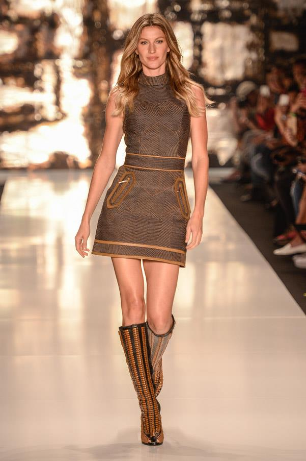 <strong>14. Gisele Bündchen: The Bounce</strong> <br><br> <em>Alexander Wang Autumn 2012</em>