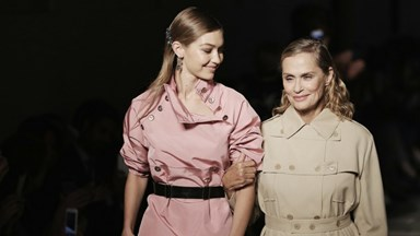 Supermodels Lauren Hutton And Gigi Hadid Close Bottega Veneta