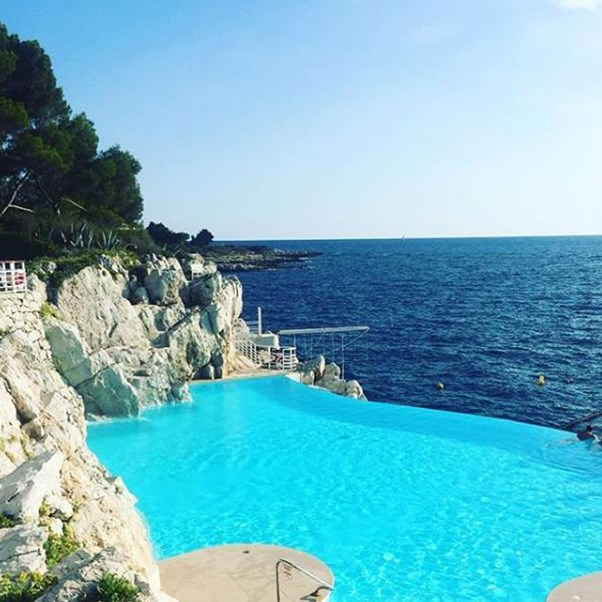 """<strong>The setting</strong><br><br> The Hotel du Cap-Eden-Roc in Antibes, the South of France<br><br> Instagram: <a href=""""https://www.instagram.com/p/BKyPI2Bjti6/?taken-by=grunj"""">grunj</a>"""