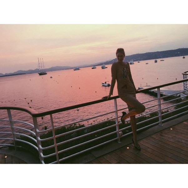 "<strong>The guests</strong><br><br> Karlie Kloss<br><br> Instagram: <a href=""https://www.instagram.com/p/BKyK-6QAivm/?taken-by=karliekloss&hl=en"">karliekloss</a>"