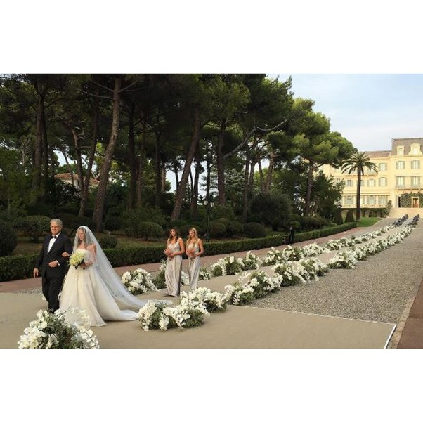 "<strong>The ceremony</strong><br><br> Instagram: <a href=""https://www.instagram.com/p/BKv8Kc9gSjI/?taken-by=mreniko"">@mreniko</a>"