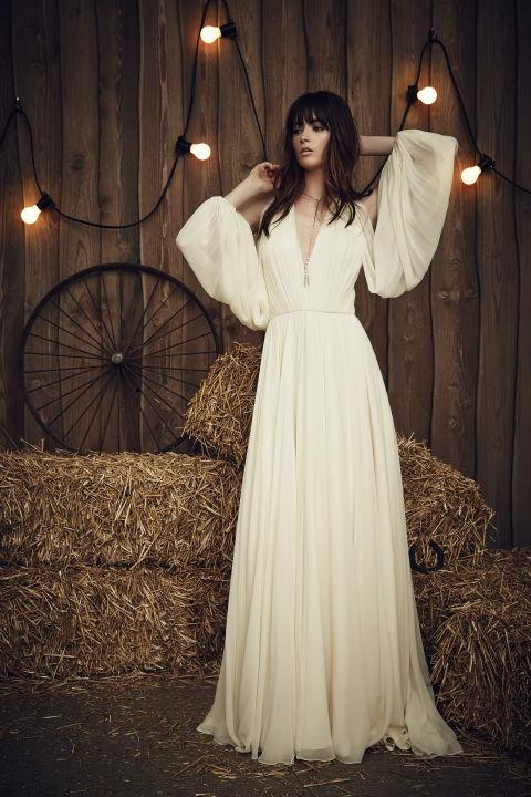"""<strong>JENNY PACKHAM</strong> <br><br> """"Eddie"""" gown, $4,999 <br><br> <a href=""""http://www.jennypackham.com/"""">Jennypackham.com</a>"""