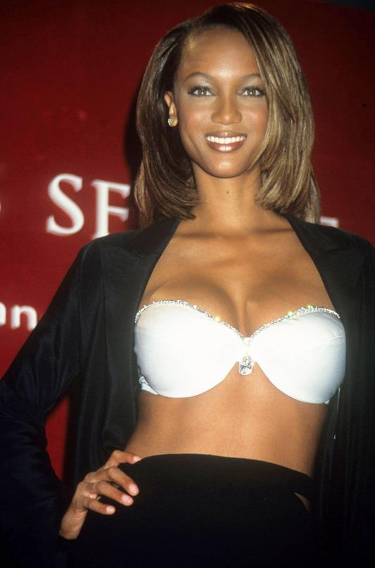 <strong>1997: Diamond Dream Bra</strong> <br>Angel: Tyra Banks <br>Value: $3,000,000 <br><br>Albeit one of the more subtle fantasy bras to date, the elegant white satin and diamond bra doesn't fail to dazzle. Despite its simplicity, the bra still features a 42 karat diamond at the bra's centre and 93 smaller, pear cut diamonds.
