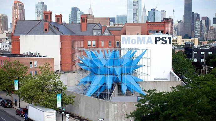 <strong>MoMA PS1 </strong><br><br> Located in a former Long Island City public school building (hence the name 'PS'), MoMA PS1 is a mecca of experimental and avant-garde art that's always pushing boundaries with its innovative programs.
