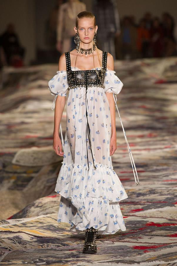 <strong>The Flower Show</strong> <br><br> Alexander McQueen