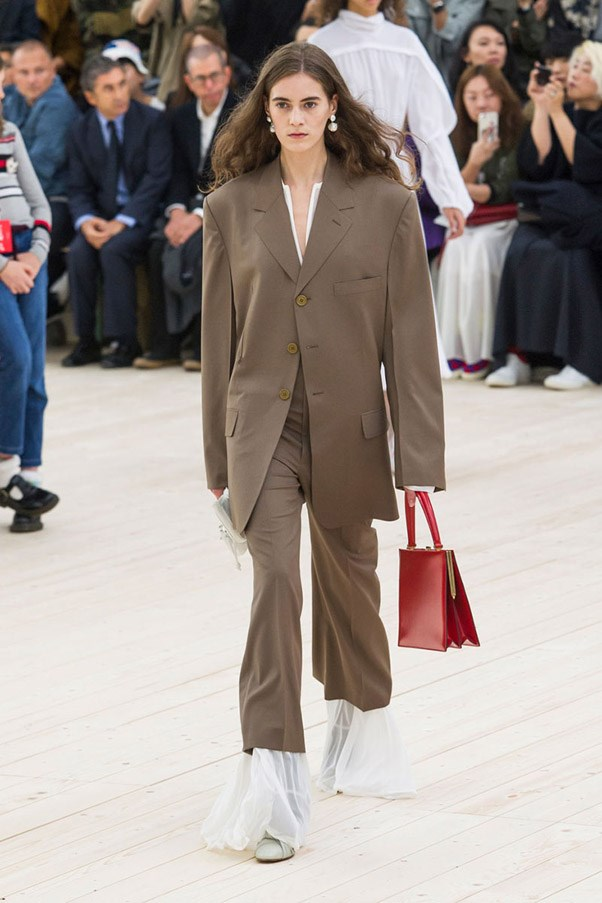 <strong>Fatigues Please</strong> <br><br> Céline
