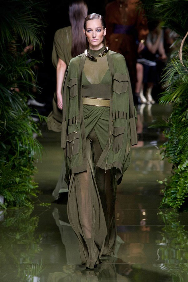 <strong>Fatigues Please</strong> <br><br> Balmain