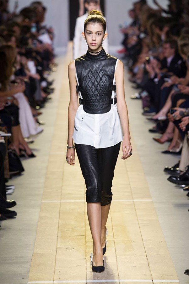 <strong>High Contrast Sports</strong> <br><br> Dior
