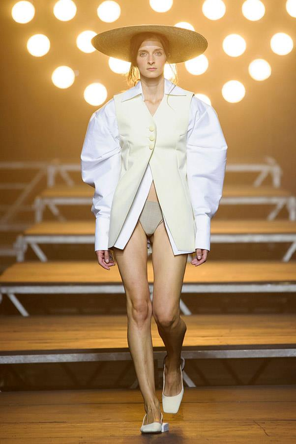 <strong>Banker Boyfriend</strong> <br><br> Jacquemus