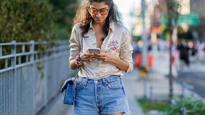 phone light ages damages skin