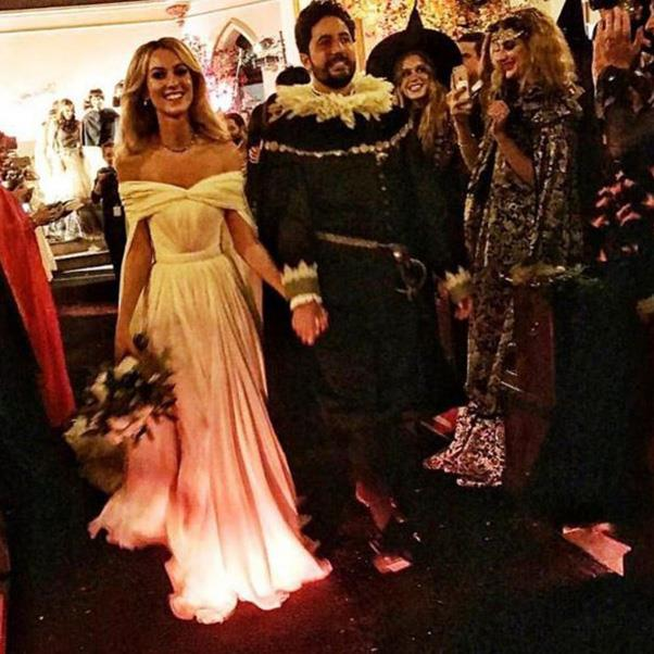 "<strong>The bride and groom</strong><br><br> Instagram: <a href=""https://www.instagram.com/p/BMM28lXjZGV/?taken-by=facundogarayalde"">@facundogarayalde</a>"