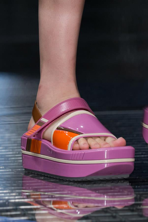 <strong>Good (Flat) Form </strong><br><br> Prada
