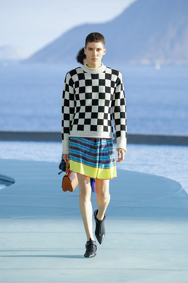 <strong>Checks</strong><br><br> Louis Vuitton