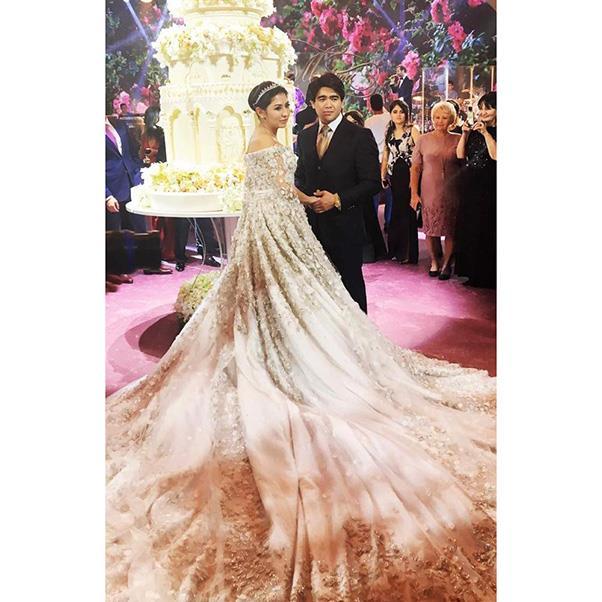 "<strong>The flowers</strong><br><br> Wedding three<br><br> Image: Instagram <a href=""https://www.instagram.com/p/BMPVzL4g_WY/"">@raznie_luydi</a>"