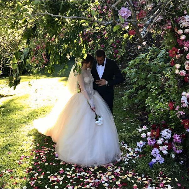 """Mr & Mrs Franklin"" <br><br> <a href=""https://www.instagram.com/p/BMY_C6ilfPC/"">@jesinta_franklin</a>"