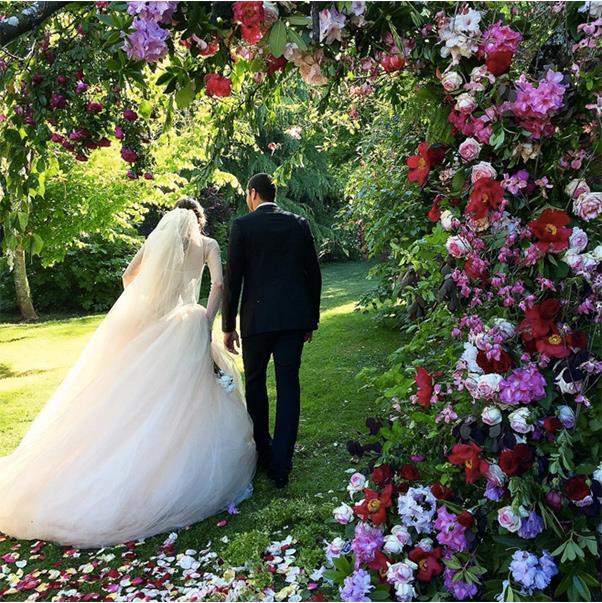"The Bride And Groom <br><br> <a href=""https://www.instagram.com/p/BMY_TUljhmU/?taken-by=markgevans"">@markgevans</a>"