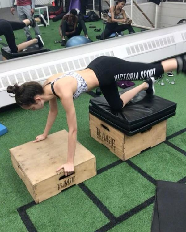 """Luma Grothe <br><Br> Grothe has a personal trainer and is a fan of combining both ab and butt exercises to tone those important VS areas. <br><br> Instagram: <a href=""""https://www.instagram.com/thelumagrothe/"""">@thelumagrothe</a>"""