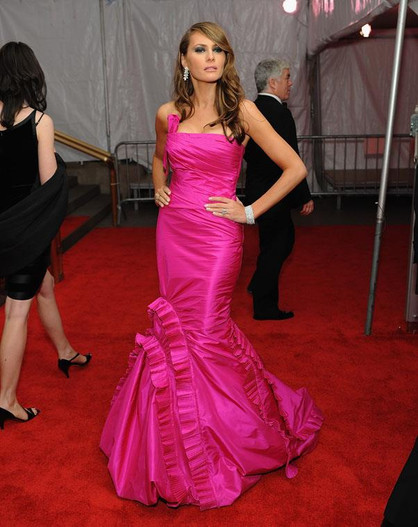 Melania head to toe in fuchsia at the 2008 Met Gala.