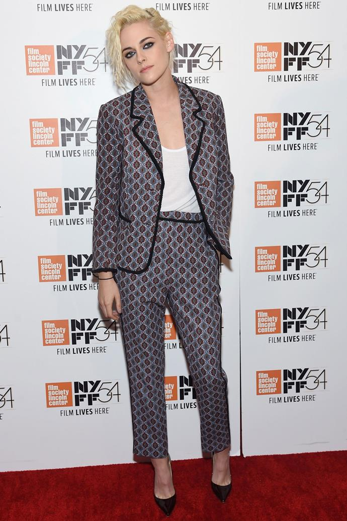 <strong>KRISTEN STEWART</strong> <br><Br> <strong>October 2016</strong>: Give a plain white T-shirt a new lease of life and wear it under a bold patterned trouser suit.