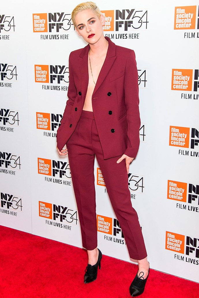 <strong>KRISTEN STEWART</strong> <br><Br> <strong>October 2016</strong>: Make statement jewellery the focal point of your outfit and go shirtless.