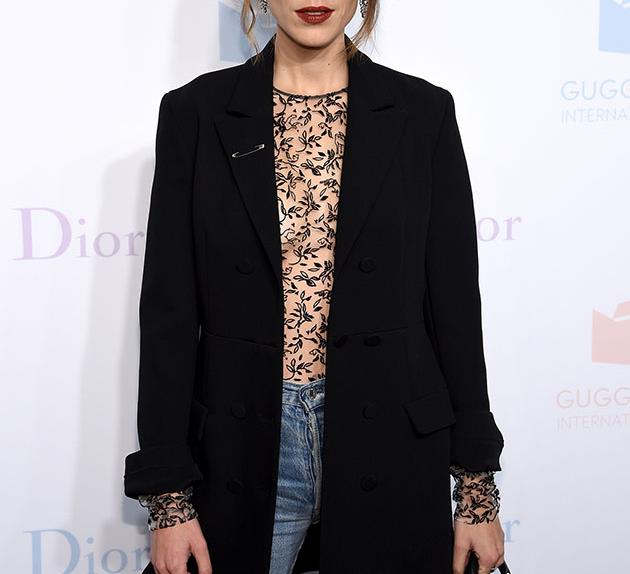 Underdressing Trend Red Carpet Alexa Chung