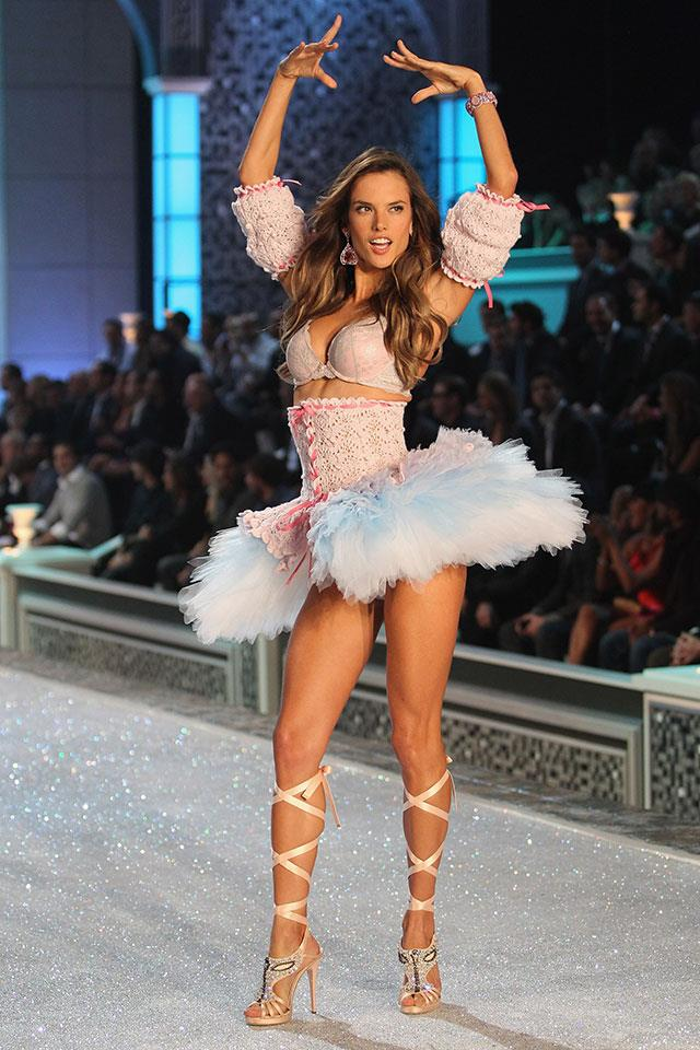 <strong>Alessandra Ambrosio, 2011.</strong>