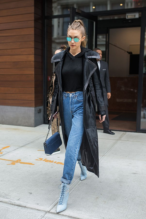 Gigi is effortlessly chic in this basic ensemble, with cool-girl sunglasses to match.