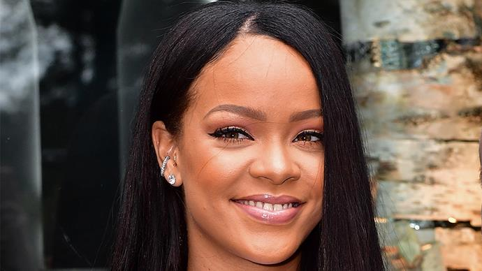 The best celebrity hair transformations of 2016, as they happen. This round? Rihanna is testing out whether blondes really do have more fun, with this new platinum do.
