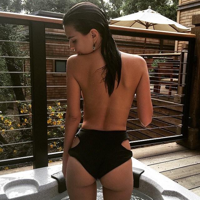 "Image: <a href=""https://www.instagram.com/p/0jJSKrS2fe/"">@emrata</a>"