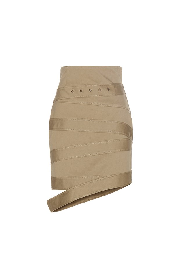 "<strong>Buy:</strong><br><br> Monse skirt, $975, <a href=""http://www.mytheresa.com/en-au/cotton-twill-skirt-728188.html?catref=category"">My Theresa</a>"