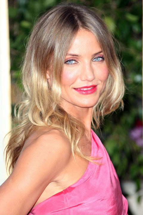<strong>CAMERON DIAZ</strong> <br><br> With pops of pink and an overall beachy vibe, this is Cameron Diaz at her absolute best.