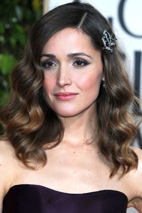 <strong>ROSE BYRNE</strong>  <br><br> Flawless waves and a sparkly hair pin on Rose Byrne in 2010.