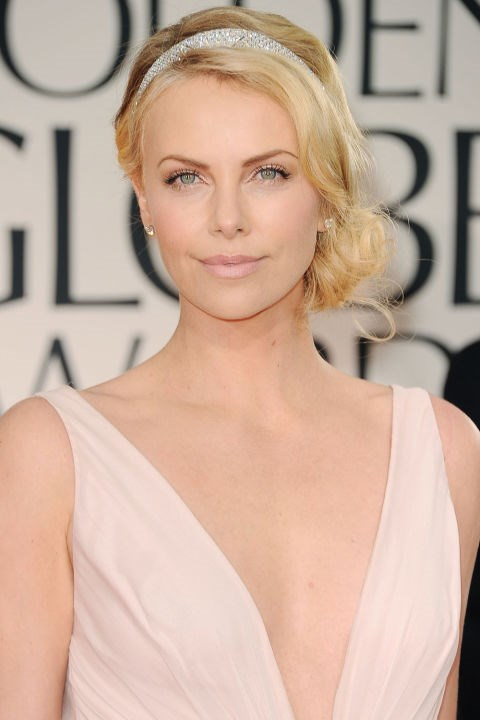 <strong>CHARLIZE THERON</strong>  <br><br> Charlize Theron serving up the most perfect, pink, ballerina-esque beauty look of our dreams on 2012's red carpet.