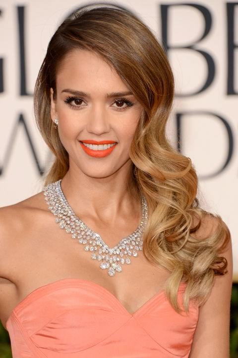 <strong>JESSICA ALBA</strong>  <br><br> Jessica Alba proved that you don't have to wear red lipstick to go full-on glam.