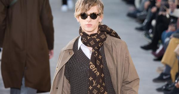 4e9ec9d6801d9 Everything To Know About Louis Vuitton s Collaboration With Supreme ...