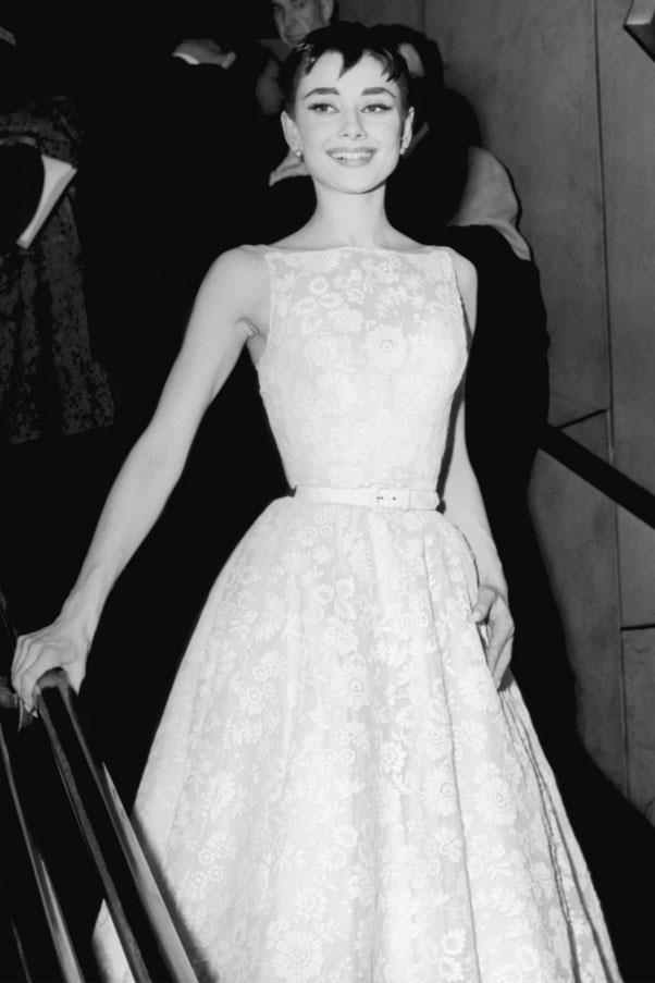 <strong>1954:</strong> <br><br> Audrey Hepburn in Givenchy