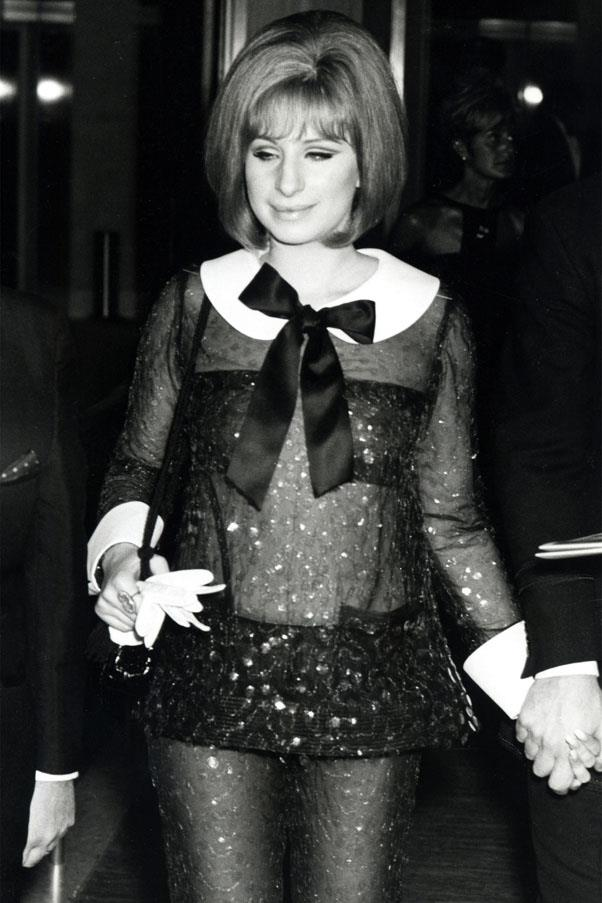 <strong>1969:</strong> <br><br> Barbara Streisand in Arnold Scaasi