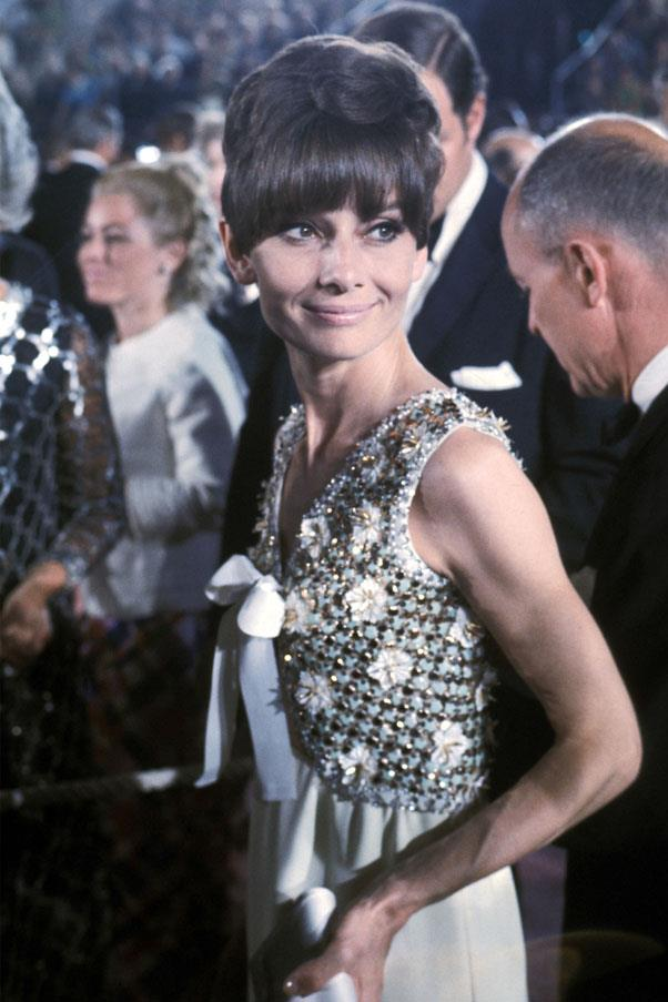 <strong>1975:</strong> <br><br> Audrey Hepburn in Givenchy